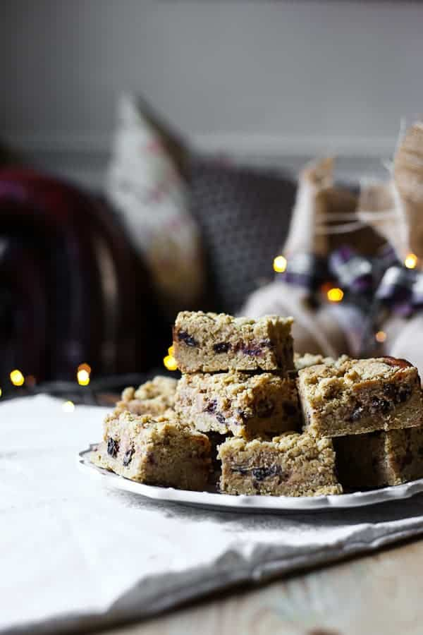 Mince Pie Cheesecake Oat Bars {gluten-free}